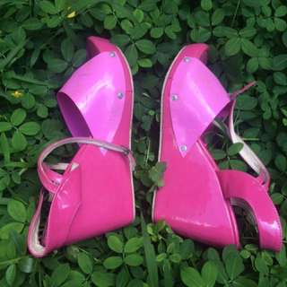 Pinky Wedges