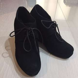 Black Suede Boston Wedges Size37 / 7