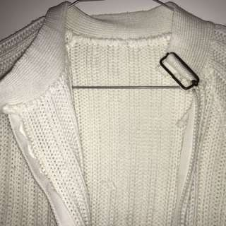 White Knitted Jacket With Zip Detail