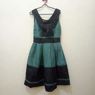 Dress ijo-itam