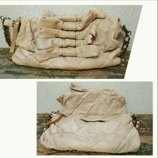 【櫃子吐了大出清】日本購回 超軟皮革 蝴蝶結造型豹紋內裡手拿包肩背包 PRADA GUCCI BV LV LOEWE 可參考
