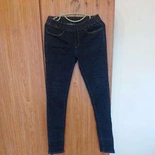 全新拋售- 牛仔長褲