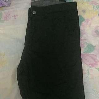 Folded & Hung Shorts For Men (size 34)