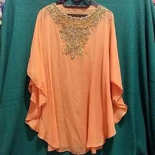 Kaftan Batwing Pendek Orange-Salem Hiasan Batu Di Dada