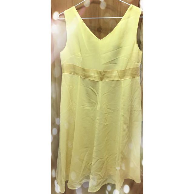 粉黃連身洋裝