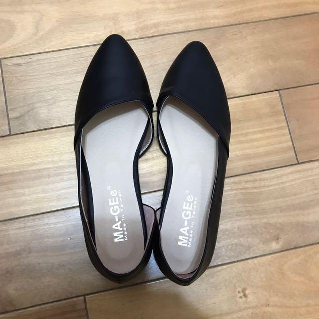黑色素面包鞋