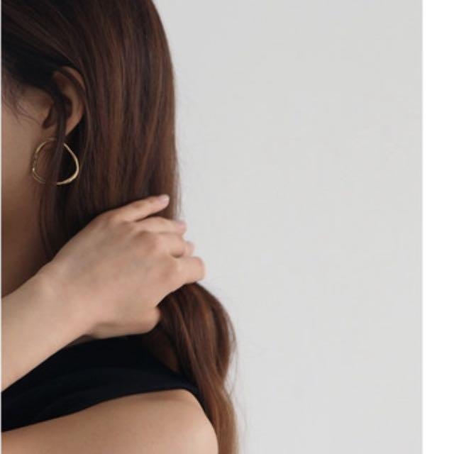 圓形 耳環 MCCOII 韓國品牌 不太圓的類圓形造型 金色 全新