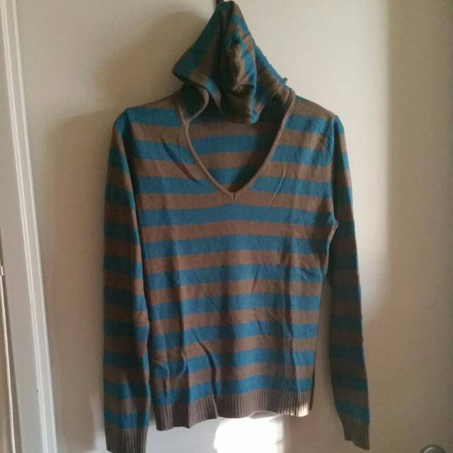 Agent Ninetynine Turquoise / Brown Hooded Vneck Pullover. Size M