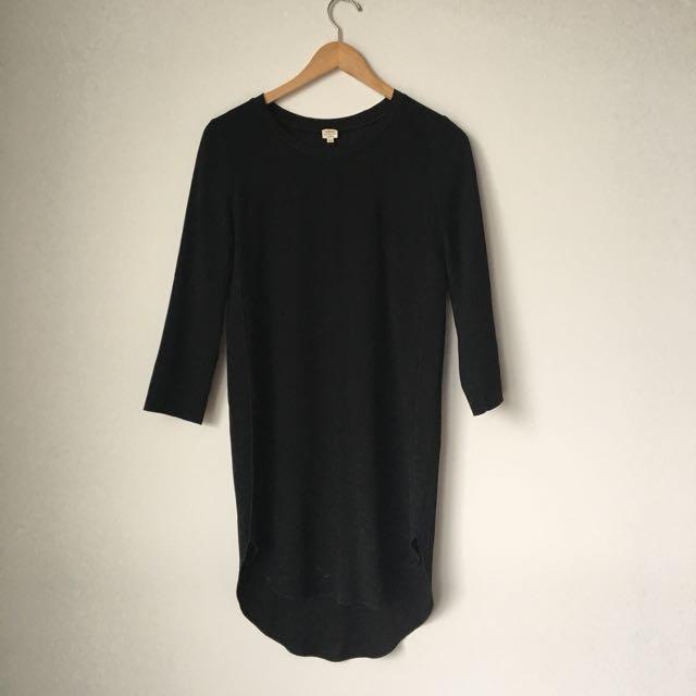 Aritzia Wilfred Dress - Black Japanese Fabric