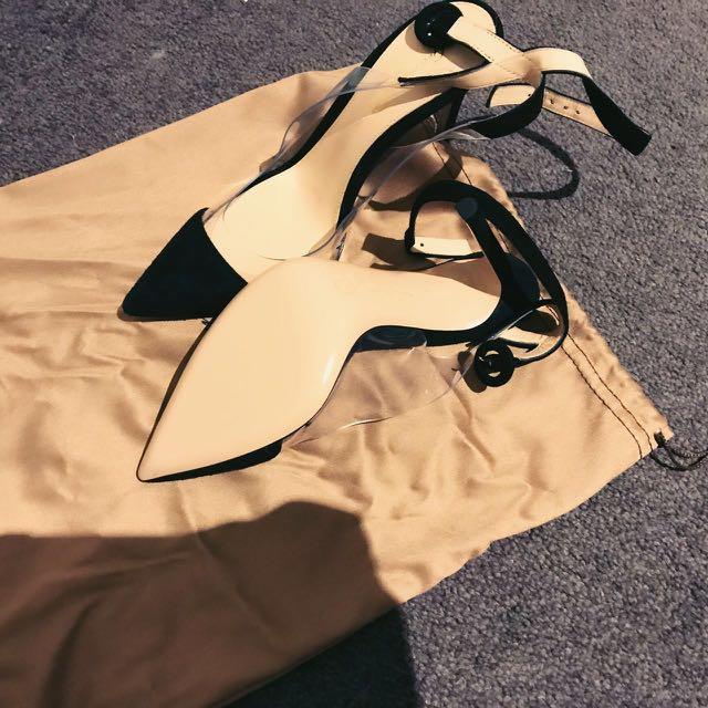 Authentic gianvito rossi Heel Size 35.5