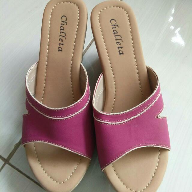 Challeta Sandal - Size 38