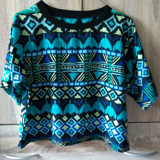Crop Top Patterned Style