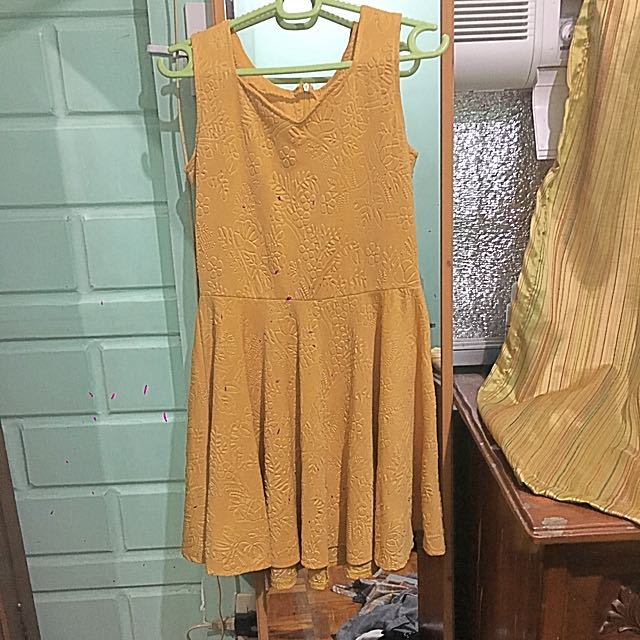 Dress Yellow (small)