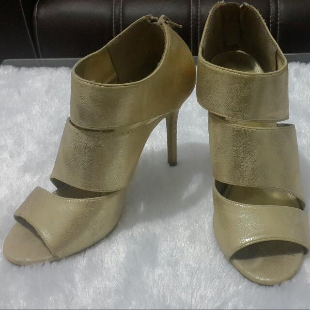 Fioni Shoe ( Payless )