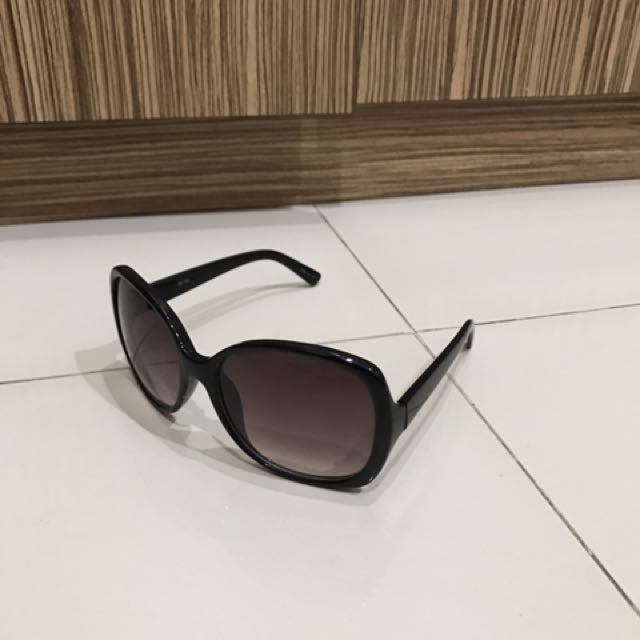 Forever 21 Black Sunglasses 5791af3097