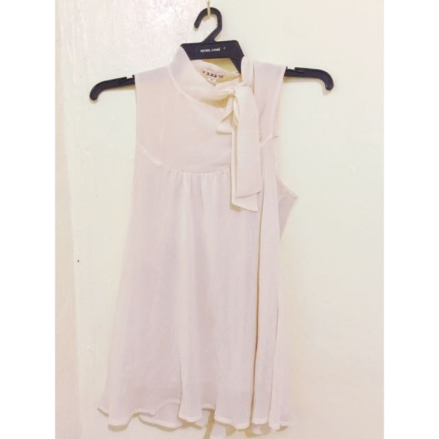 Forever 21 Chiffon Cream Top