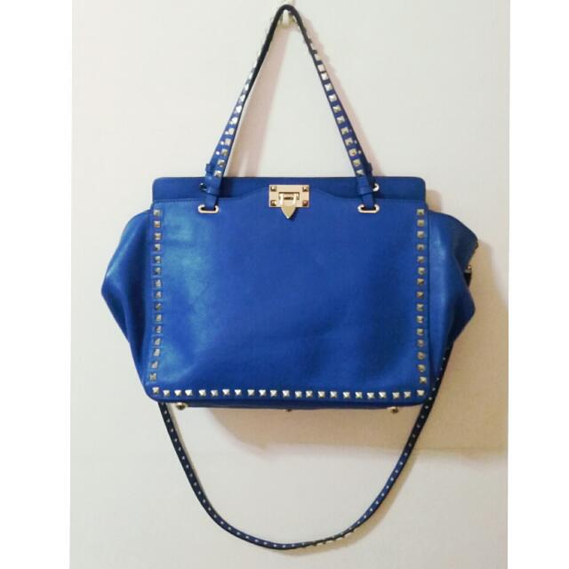 Valentino Garavani Rockstud Medium Tote Bag
