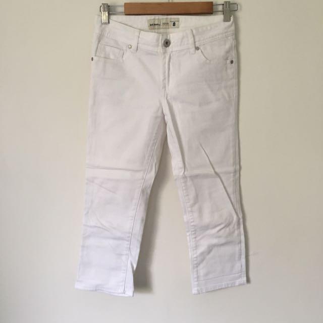 Just Jeans Size 8 White 3/4 Crop Denim Pants