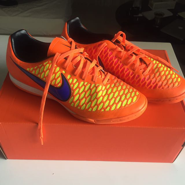 97081f69f899 Nike Magista Futsal Shoes (Orange)