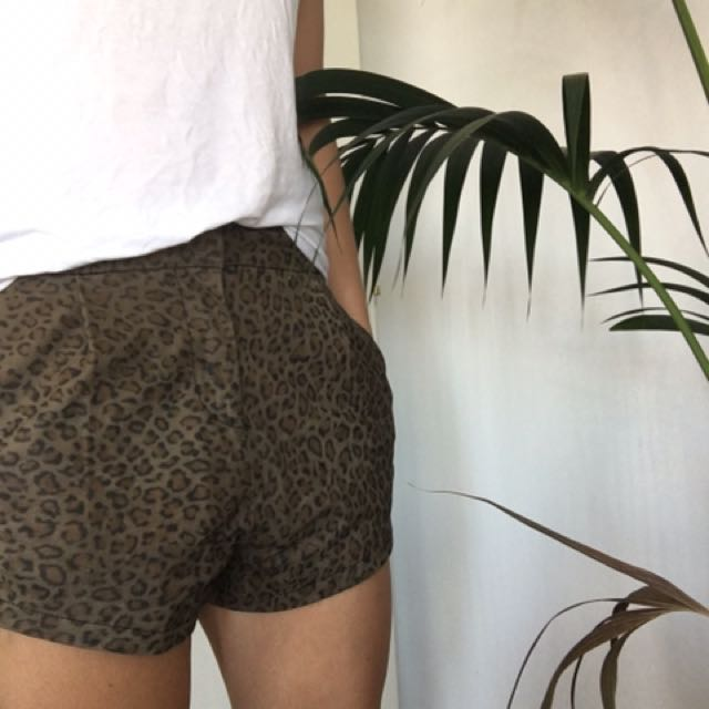 Pfeiffer Leopard Shorts