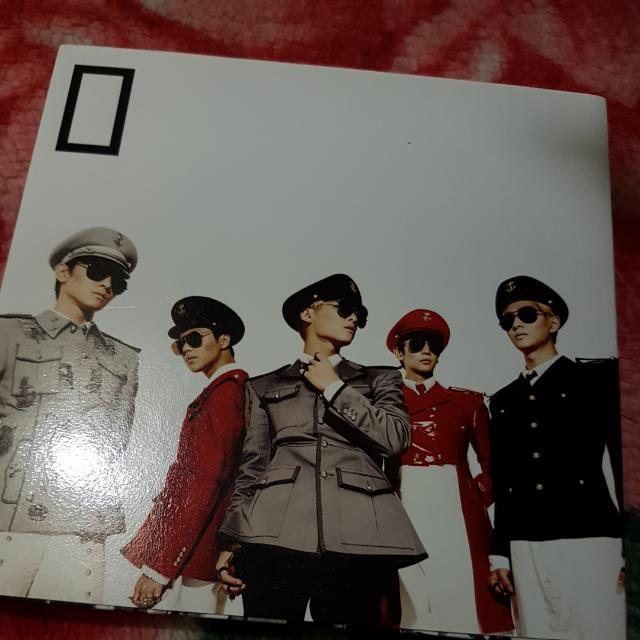SHINee 5th mini album EVERYBODY (No Photocard)