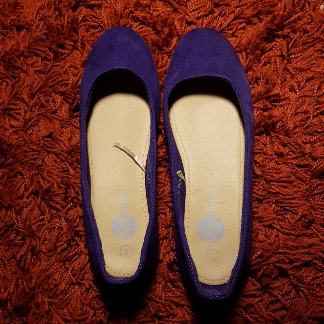 Size 7 Purple Flats