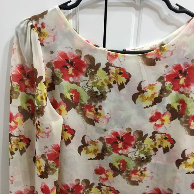 Small Sheer Floral-themed Long Sleeved Top