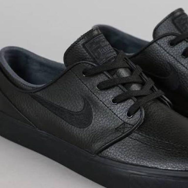 Stefan Janoski Triple Black Leather