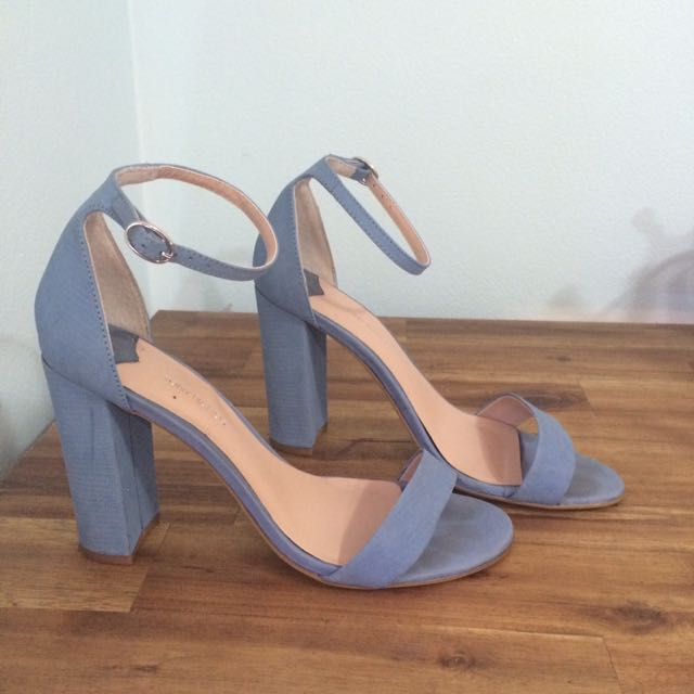 Sz8 Pastel Blue Toni Bianco Strap Heels
