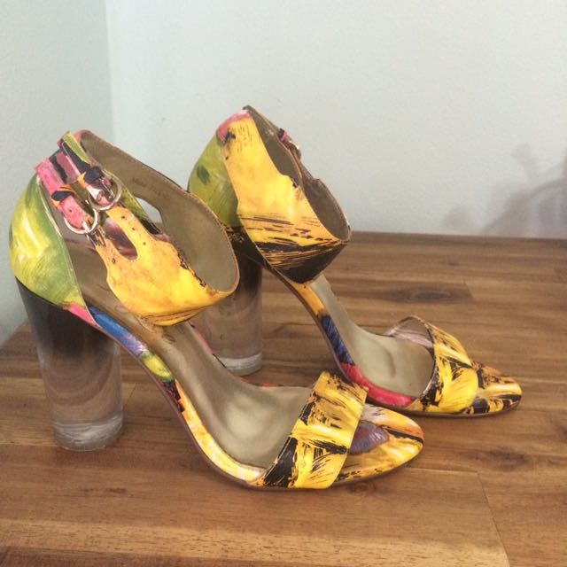 Sz 8 Peeptoe Miss Tropic Leather Floral Heels