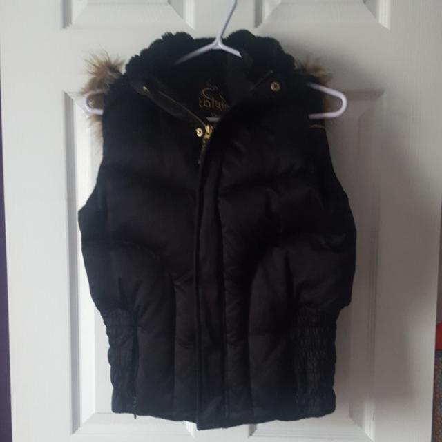 Aritzia Talula Puffer Vest Black