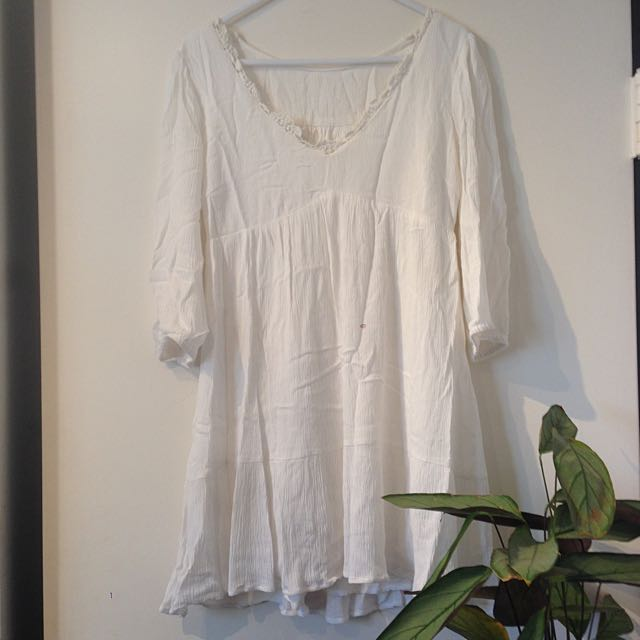 white dress size 6