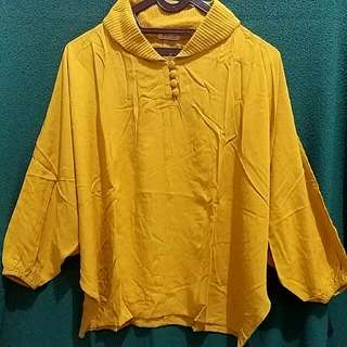 Atasan Batwing Kuning Mustard