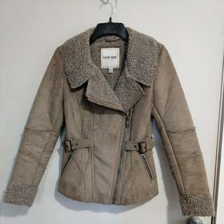 Evernew Coat with a detachable furr. Price still negotiable