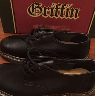 Black Griffin Leather Shoes