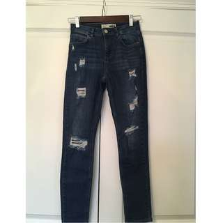 TOPSHOP RIPPED MOTO JEANS Size 25 $30