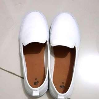 H&M Sepatu Warna Putih