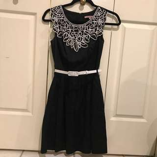 Review Size 6 Dress With Belt