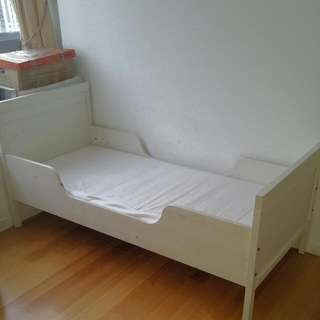 IKEA SUNDVIK kids bed incl mattress