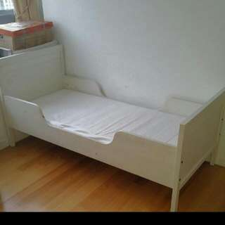 IKEA SUNDVIK kids bed incl. mattress