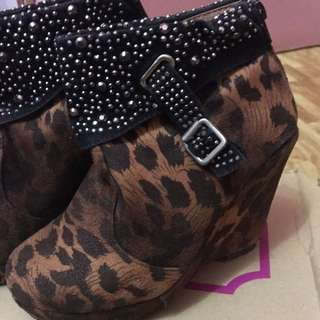 SALE For Php50...Brown Boots Wedge