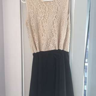 LACED DESIGN DRESS size 12-14