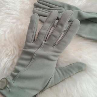 Small Antique/Vintage Green Gloves