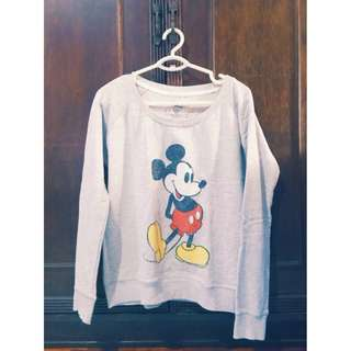 Mickey Mouse Cotton On Sweater Size L Php 350