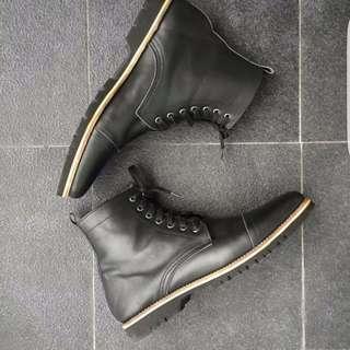 Sepatu Kulit Pria Boots - Sale