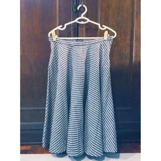 Midi Skirt (Zalora) Size L Php 350
