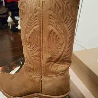 Designer Cow Boy Boots 7.5 -8