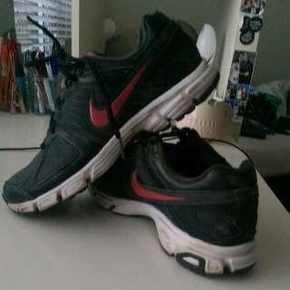 Black/Pink Nike's