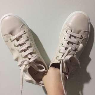 Stradivarious Sneakers