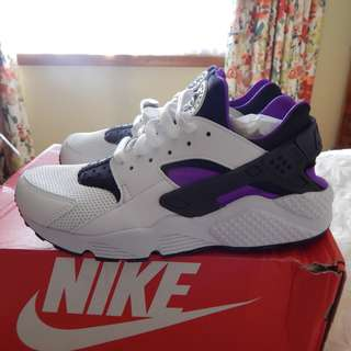 Nike Air Huarache mens shoes, size 8 US, brand new in box